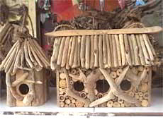 Wholesale Bali Wooden Crafts Driftwood Bird House