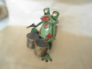 Wholesale Bali Metal Crafts Frog with drums Candle Holder