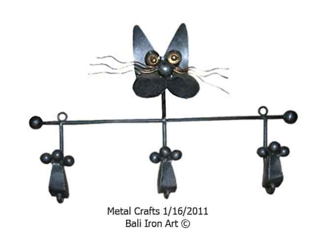 Bali Wholesale Metal Hanger